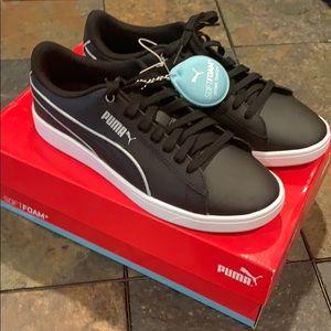 NWT Puma Vikky V2 black shoes
